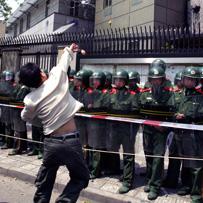 Blogging on the barricades
