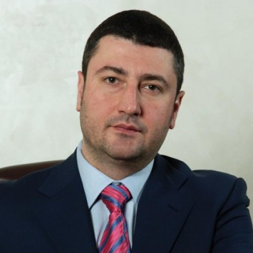 Oleg Bakhmatyuk w