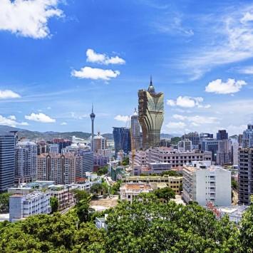 Macau w