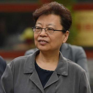 Lü Xiwei w