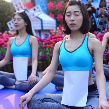Yoga w