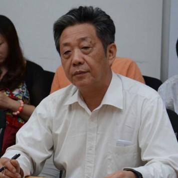 Dong Yang w
