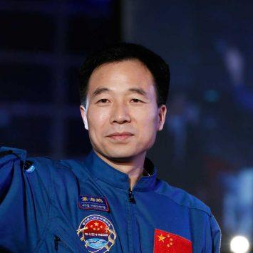 Jing-Haipeng-w
