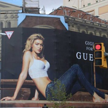 Gigi-Hadid-w