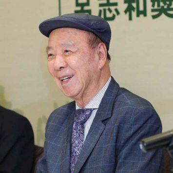 Dr Lui Che Woo w