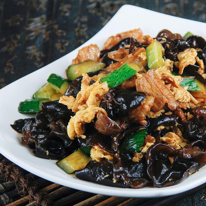 Mu Xu Rou (Sautéed Pork, Eggs and Black Fungus  木须肉)
