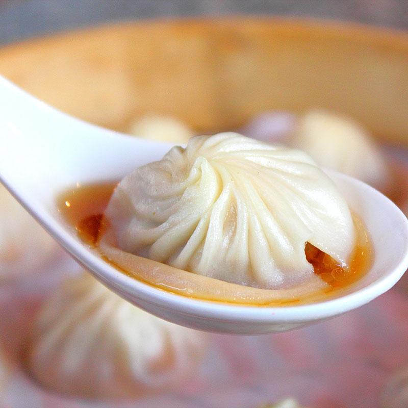 Xiao Long Bao (Small-Steamer Buns  小笼包)
