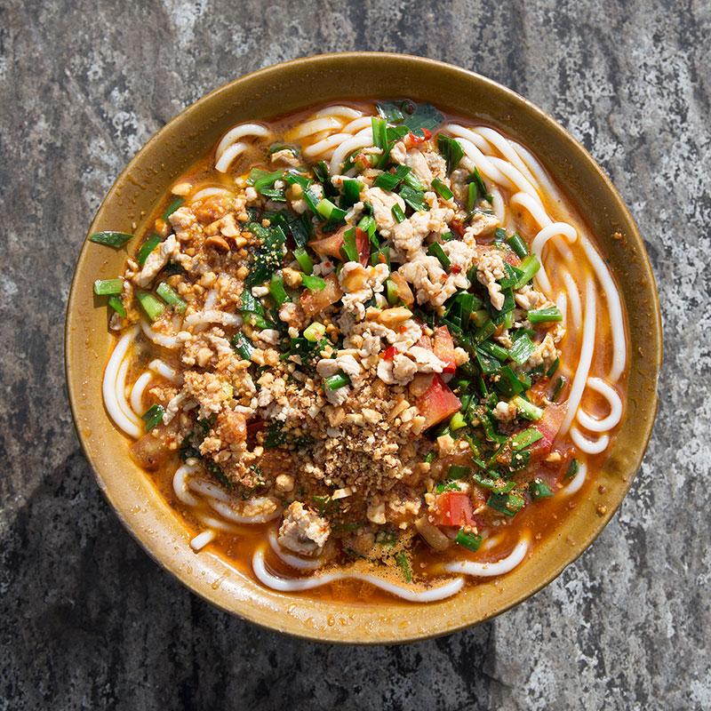 Guoqiao Mixian (Cross-Bridge Noodles  过桥米线)