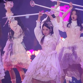 Dancers-w