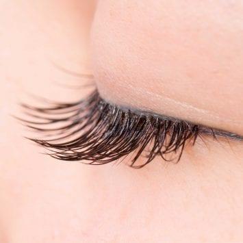 Eyelashes-w