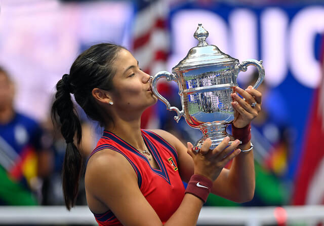 Raducanu with the US Open trophy